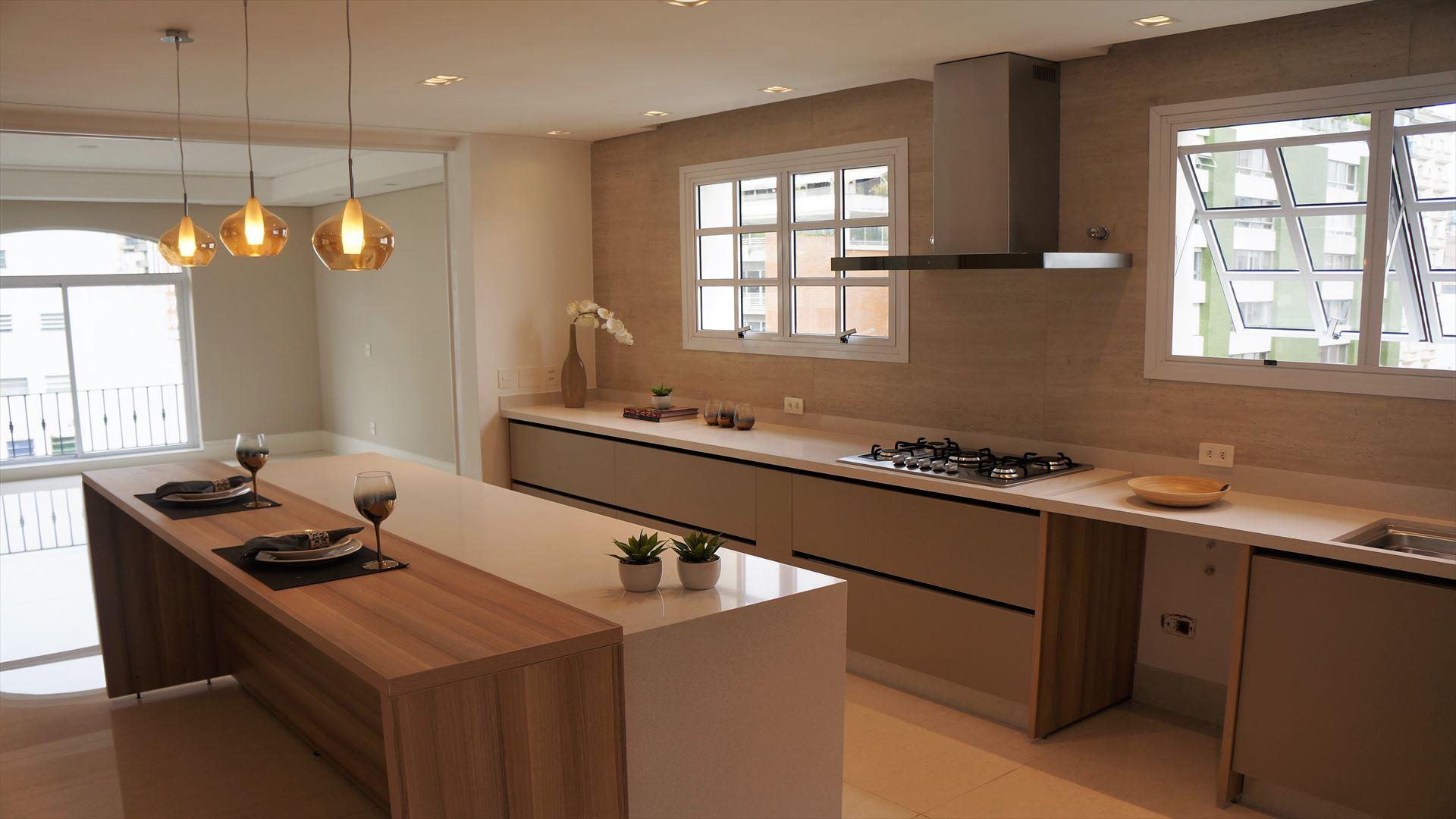 Antes & depois: veja como a reforma modificou a cozinha deste apartamento nos Jardins