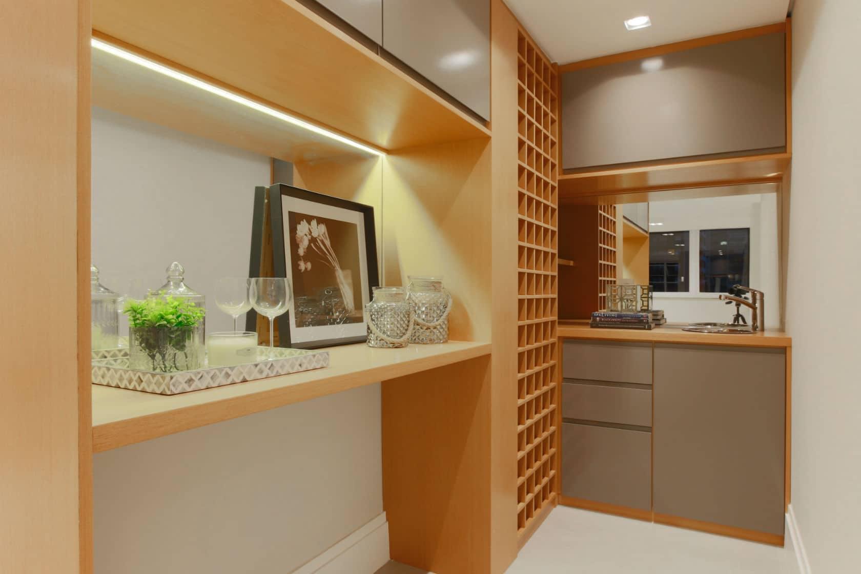 Adega-bar: dicas para criar um espaço charmoso no seu living