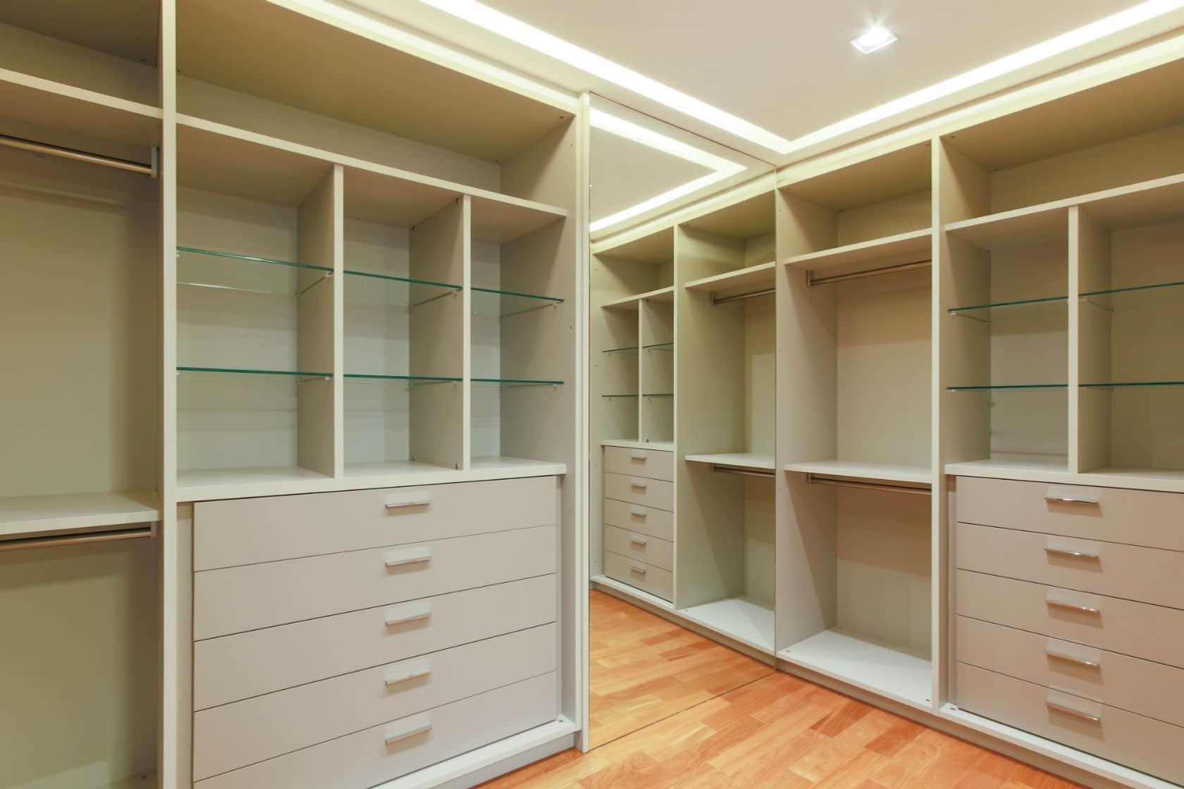 Closet precisa ser bem dimensionado para atender necessidades atuais e futuras
