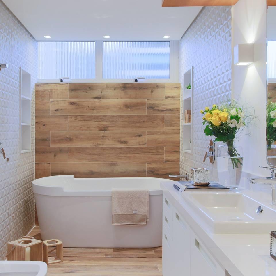 Antes & depois: veja a transformação deste banheiro em apartamento reformado nos Jardins