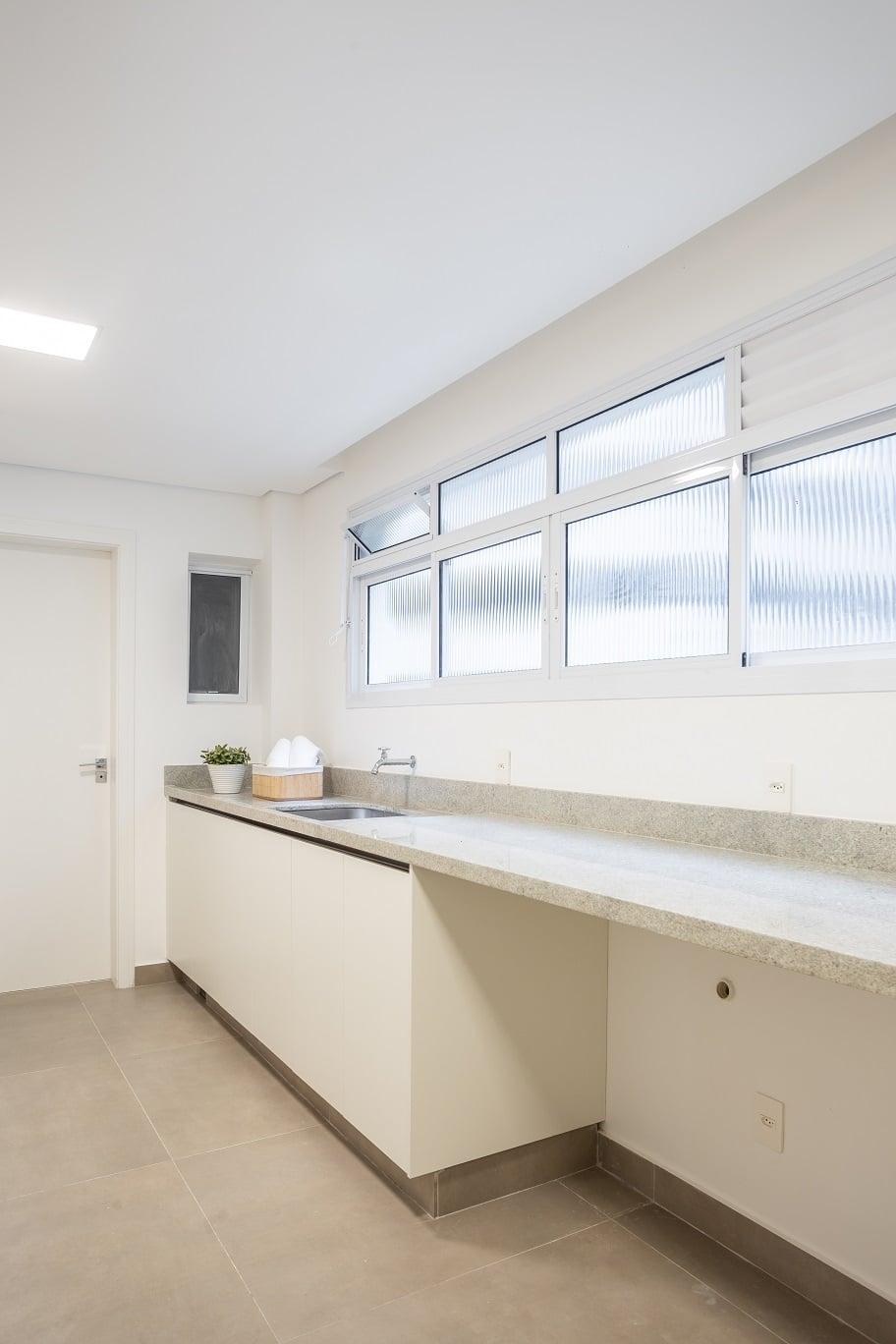 Antes & Depois: confira a transformação da lavanderia deste apartamento da Rua Jesuíno Arruda