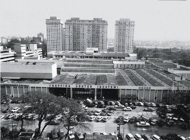 Quer saber como era o shopping mais antigo do Brasil e seu entorno, na época da inauguração?