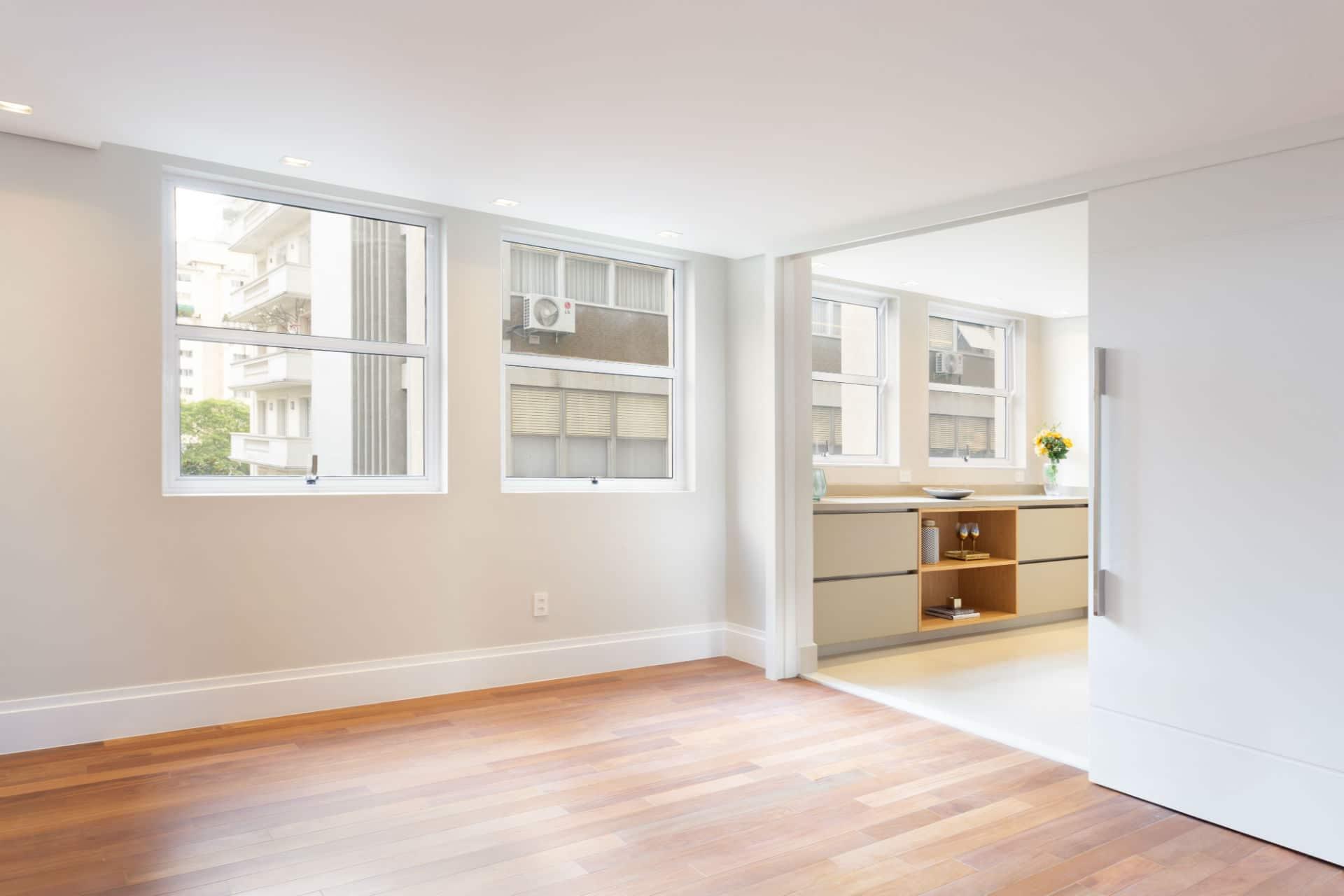 Antes & depois: veja como a reforma transformou a sala de jantar deste apartamento nos Jardins