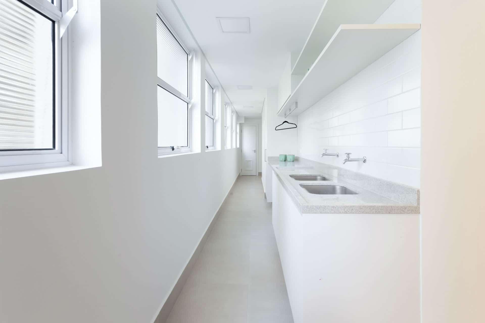 Antes & Depois: confira a reforma em lavanderia de apartamento nos Jardins