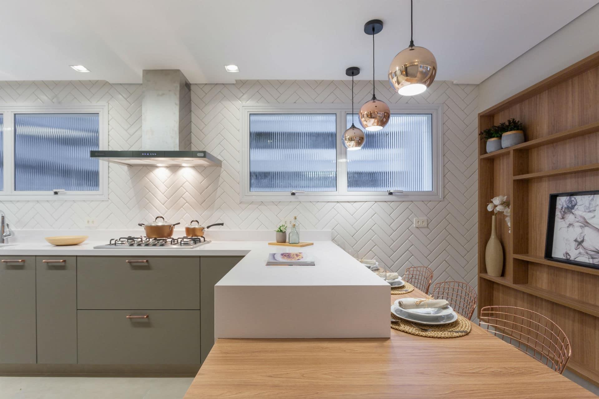 10 bancadas de cozinha com cores para você se inspirar!