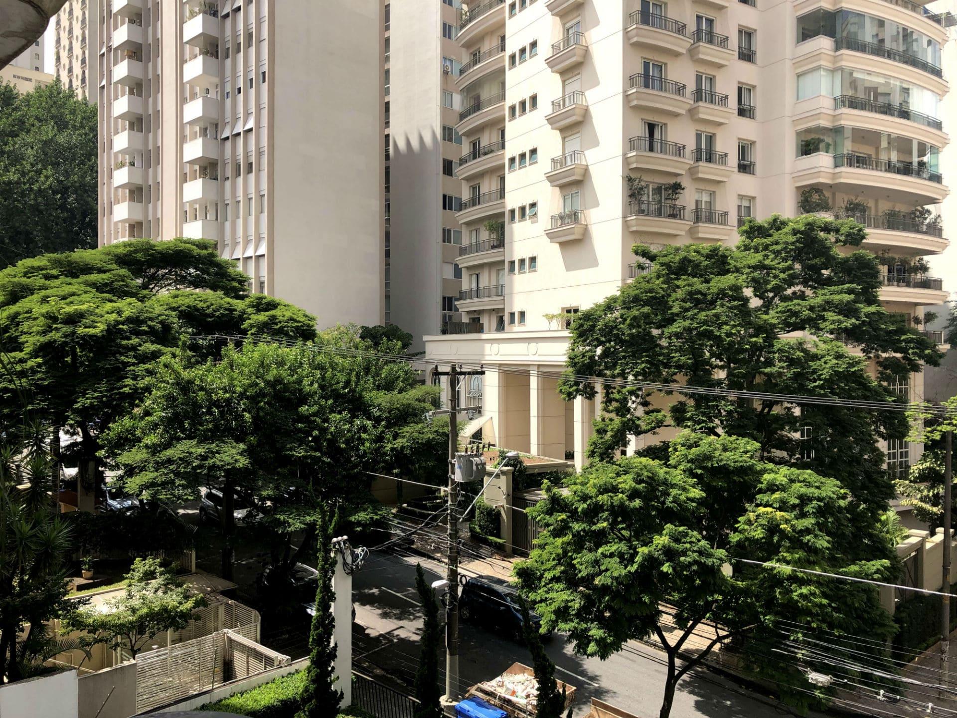 Apartamento Unique: Vista para a copa das árvores