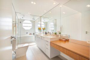Inspirações para banheiro: banheiro moderno com penteadeira