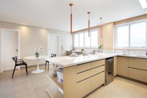 imagem de cozinha: clean e ampla